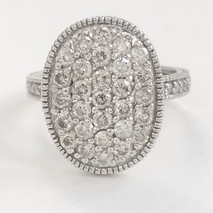 Jewelry - SOLD! Timeless 14k diamond cluster ring
